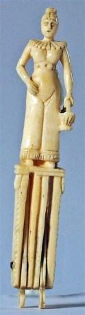 ivoire-femme-pour-necessaire-couture-1