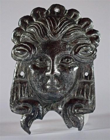 plaque-metal-visage-solaire